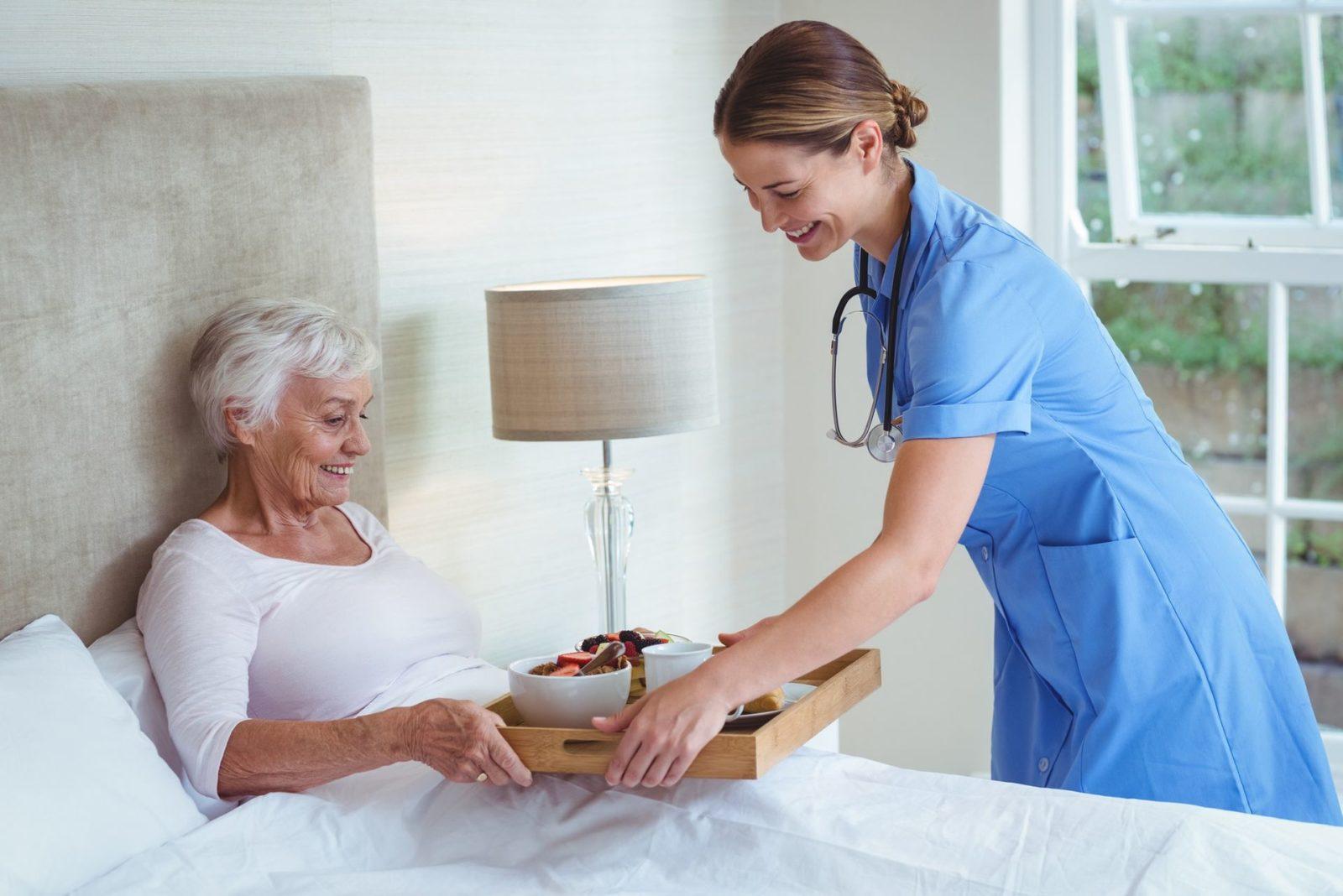 Круглосуточные сиделки уход за лежачими больными дом престарелых издевательство видео